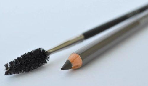 Карандаш тени для бровей. Отличия косметических средств для оформления бровей