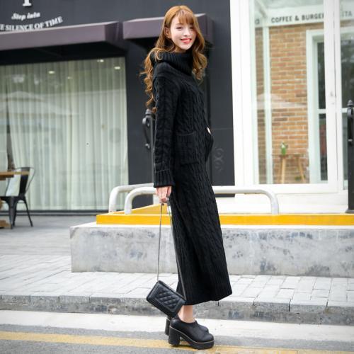 Длинные платья с пальто. С чем носить длинное трикотажное платье зимой