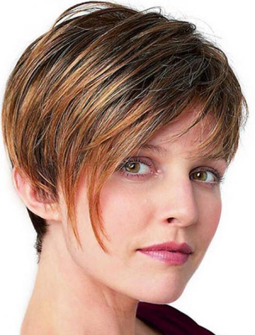 Стрижки с косой челкой на средние волосы. Современные короткие женские стрижки с косой удлиненной челкой (с фото)
