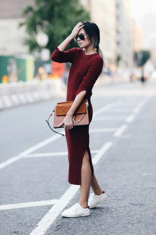 С чем носить длинное трикотажное платье осенью. Как современно носить трикотажное платье