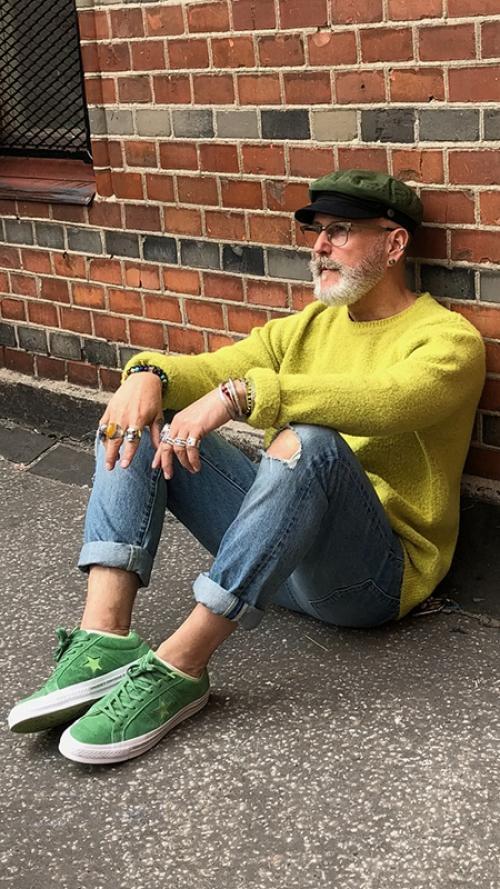 Одежда под синие кроссовки. С чем носить зеленые кроссовки