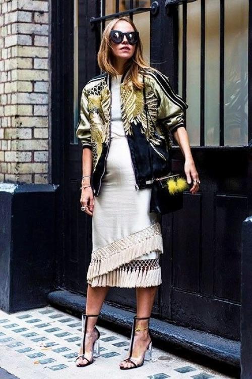 Что надеть на платье если холодно. Что носить прохладным летом? 10 примеров.