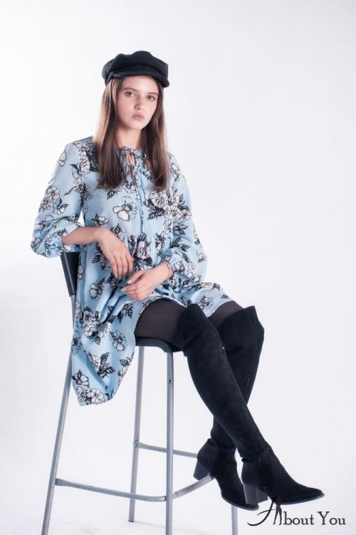 Серые сапоги ботфорты с чем носить. Ботфорты и платье длины мини