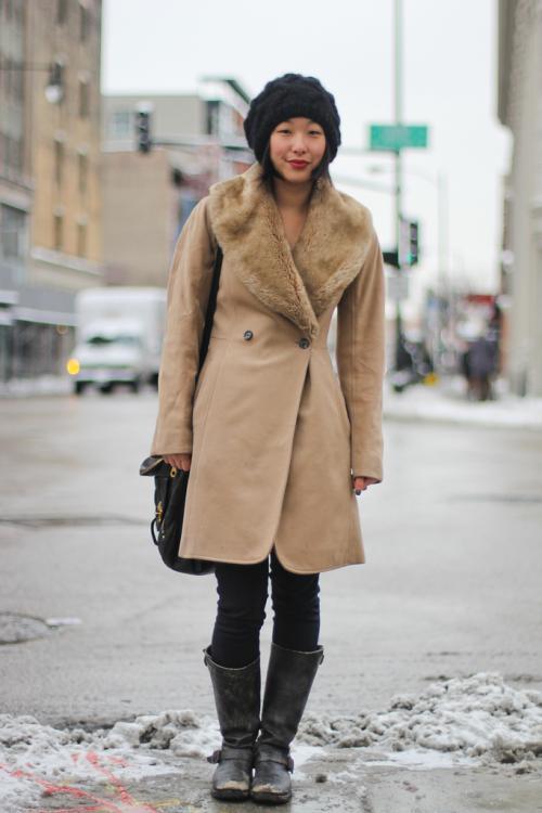 С какой шапкой носить пальто. С какой шапкой удачно сочетается пальто с мехом?
