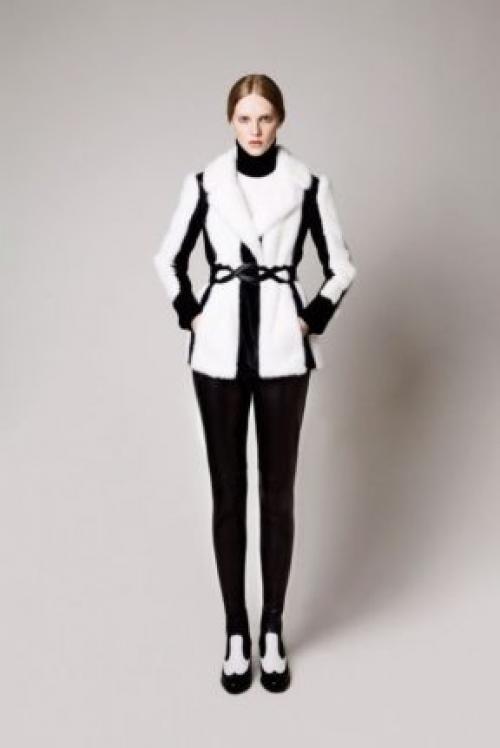 С чем носить короткую белую шубу. Модные фасоны белых шуб