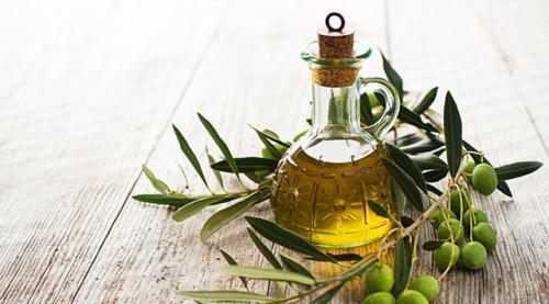 Касторовое масло для упругости кожи тела. Топ-5 растительных масел