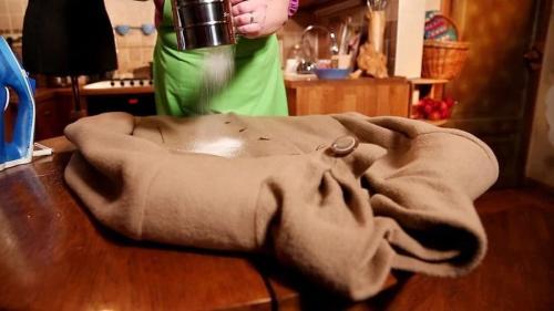 Як в домашніх умовах почистити кашемірове пальто. Чистим пальто и устраняем неприятный запах в домашних условиях