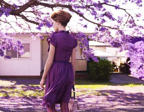 С чем сочетать лиловый цвет в одежде. Сиреневый цвет в одежде и его сочетание с другими оттенками