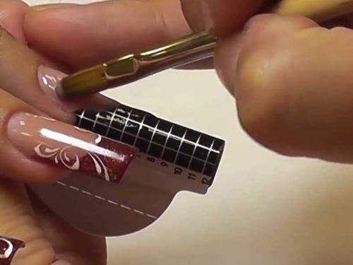 Последовательность наращивания ногтей. Наращивание на формы